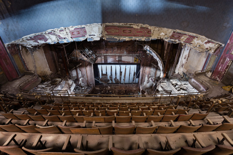 In Newark Nj The Number Of Abandoned Theatres Lying