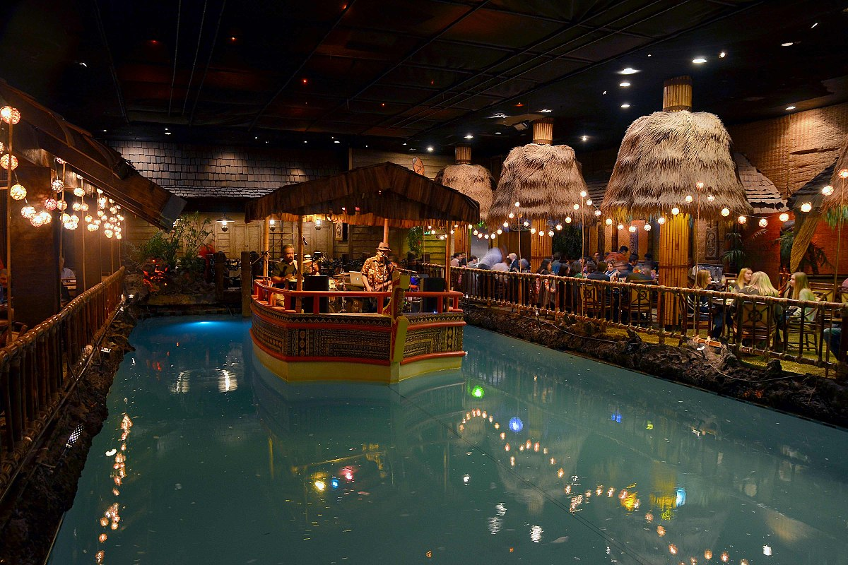 There's a 73-Year-Old Tiki Bar Hiding in This Hotel's Basement