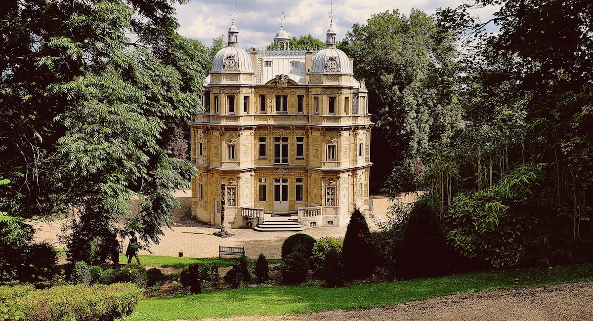 5 Little-Known Chateaux to Visit Near Paris this Fall