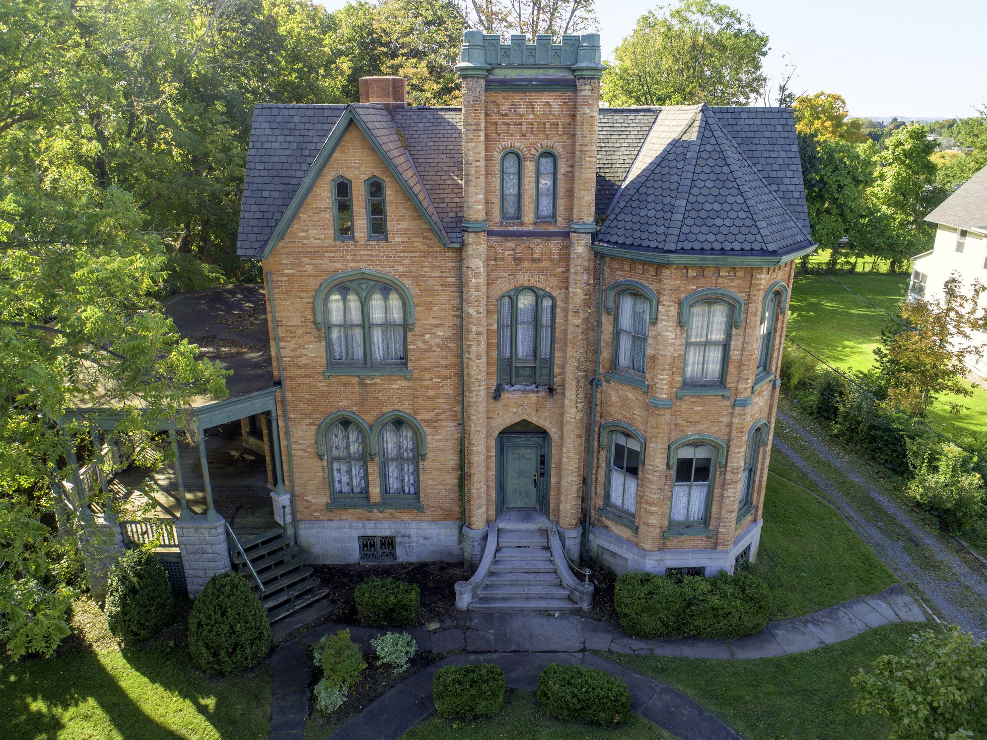 A Lonely New York Mansion For Sale, Possibly Haunted, Still a Rare Steal