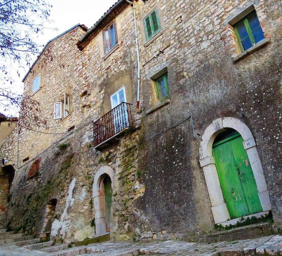 A Beginner's Guide to Italian Ghost Towns Selling Houses for €20